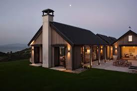 Modern Beach House by Waiheke Island Beach House Showcases Magnificent Coastal Vistas