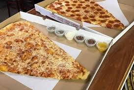 how much is a medium pizza at round table what are the standard diameters of different pizza sizes in the