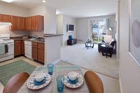 2 Bedroom Apartments In Coventry Coventry Glen Rentals Round Lake Il Apartments Com