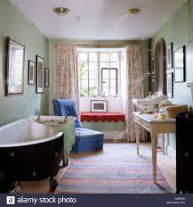 Old Fashioned Bathroom Pictures by Bathroom With Freestanding Bathtub Dressing Table And Old