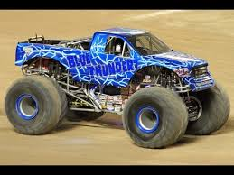 youtube monster trucks jam monster jam blue thunder monster truck big freestyle youtube