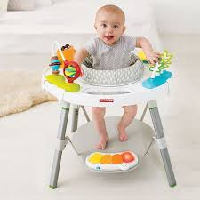 table d eveil avec siege les 25 meilleures idées de la catégorie siège d activité bébé sur