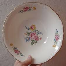 bond china pompadour bond china pompadour dinner plate 10 l m excellent