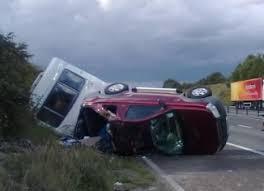 video caravan overtake and motorway crash caught on camera