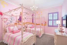 decoration chambre raiponce quand disney s invite dans votre lit et votre décoration de chambre