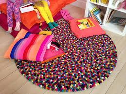 tapis pour chambre garcon tapis boule multicolore stuffwecollect com maison fr