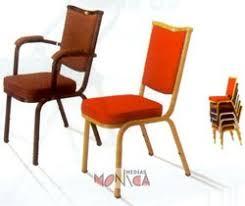 Chaise Coque Plastique Empilable Accrochable Non Feu M2 Chaises Location Tables Bancs Et Chaises Pour Evenement