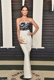 Vanity Skin On Skin Kate Beckinsale Dazzles At Vanity Fair U0027s Oscars 2016 Bash In La