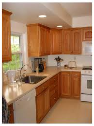 what color of granite goes with honey oak cabinets granite with oak what color light or