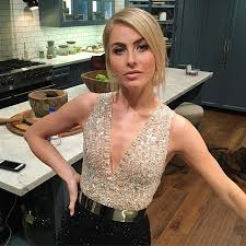 how does julienne hough style her hair 210 best julianne hough images on pinterest hairdos hair styles