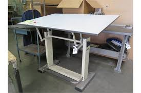 Leonar Drafting Table Leonar Drafting Table