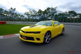camaro ss rental my yellow hertz rental car chevrolet camaro ss 2014 at the f1
