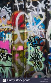 How To Graffiti With Spray Paint - brightly coloured colored aerosol spray paint graffiti wall art
