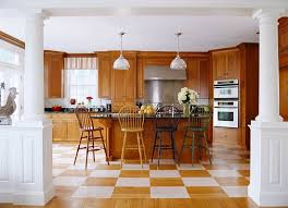 Kitchen Designs With Oak Cabinets by Elegant Kitchens With Warm Wood Cabinets Traditional Home