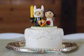 nerdy cake toppers 25 wedding cake toppers interpreted by couples collegehumor