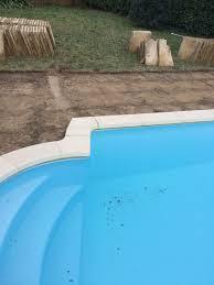 plage de piscine création plage de piscine bi matériaux maçonnerie bagnols en forêt
