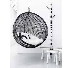 siege boule suspendu fauteuil suspendu design cocoon noir chairs