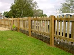 long lasting picket fencing