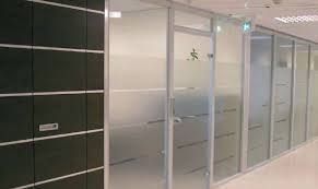 porte de bureau vitr cloison amovible de bureau coulissante ou vitrée en alsace