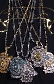 hip necklace chain images The 50 greatest chains in hip hop40 boss hogg outlawz boss life jpg