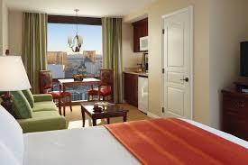 2 bedroom hotels in las vegas 2 and 3 bedroom villas las vegas marriott s grand chateau