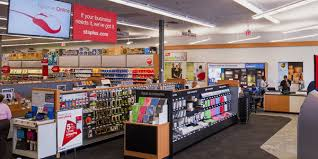 staples chooses to be different closes stores on thanksgiving
