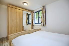 Schrank Im Schlafzimmer Ferienwohnung Papillon Wohnung 15 4 Boltenhagen Nordic