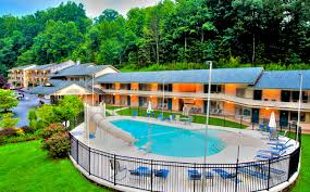 huff gatlinburg lodging hotel tennessee smoky mountains