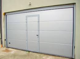porta sezionale foto porta sezionale con passo pedonale inserito di logiver