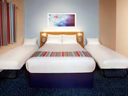 Travelodge Heathrow Terminal  Hotel Heathrow Terminal  Hotels - Hotels with family rooms near legoland
