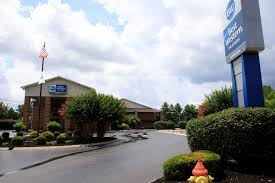 Hotel Liquidators Ontario by Best Western Celebration Inn U0026 Suites Shelbyville Tennessee