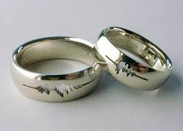 how to engrave a ring a had their wedding rings engraved with a waveform of their