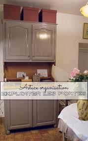 organisation placard cuisine exploiter les portes des placards de cuisine pour mieux vous organiser
