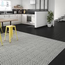 carrelage noir et blanc cuisine carrelage sol et mur noir et blanc effet ciment gatsby corolle l 20