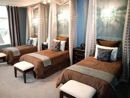 Modern Blue Bedroom Ideas Modern Blue And Brown Bedroom White Single Sofas Sleigh California
