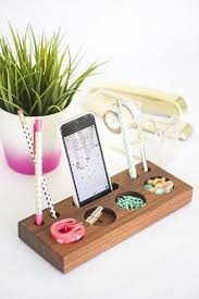 Build Simple Wood Desk by 20 Diy Desk Organizer Tutorials Gurl Com