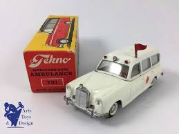 siege social mercedes antique die cast tekno denmark 731 mercedes 220se ambulance white