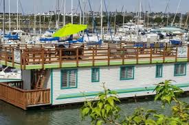 Airbnb Houseboat by An Airbnb Tour Of Europe Go Curry Cracker