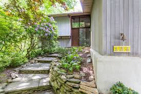 1950s homes untouched post and beam with soaring atrium asks 790k curbed