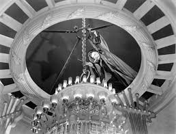 Phantom Of The Opera Chandelier Falling Phantom Of The Opera Universal 1943 Classic Monsters