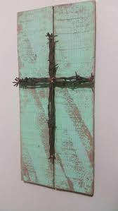 unique reclaimed pallet sign barbed wire cross upcycled