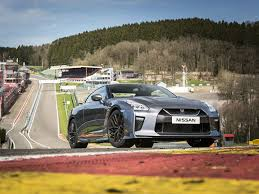 nissan gtr o to 60 nissan gt r my17 driven briefly pistonheads