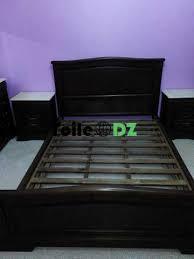 chambre à coucher occasion une chambre à coucher occasion 8 10 lit table de nuit coiffeuse en