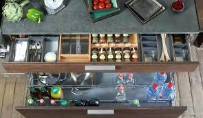 ranger cuisine comment bien ranger une armoire special cuisine pour ranger 122
