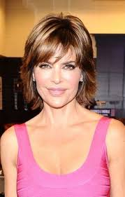 lisa rinnas hairdresser medium length layered haircuts lisa rinna with a short layered