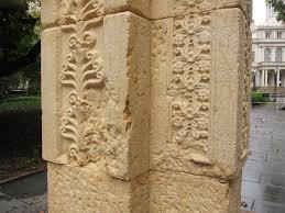 slick replica of palmyra u0027s triumphal arch arrives in new york