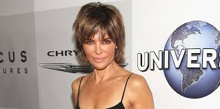 how does lisa rinna fix her hair fellow housewife dorinda medley weighs in on lisa rinna s updated