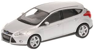 model ford focus ford focus 2011 5 door silver 1 43 scale diecast model amazon co