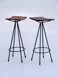 Wood And Metal Bar Stool Furniture Black Metal Bar Stools With Round Footrest And Brown