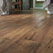 Lowes Com Laminate Flooring Shop Pergo Max Premier 7 48 In W X 4 52 Ft L Amber Chestnut